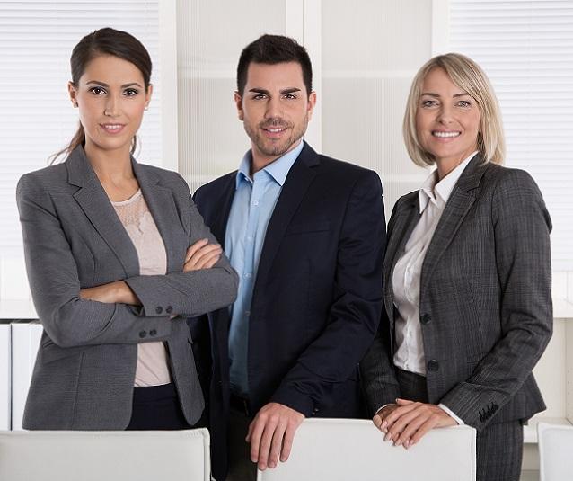 Dabei ist der Investmentbanker sowohl im Kundenauftrag als auch in eigenem Interesse tätig, denn jede Investmentbank führt auch ein Eigengeschäft. (#06)
