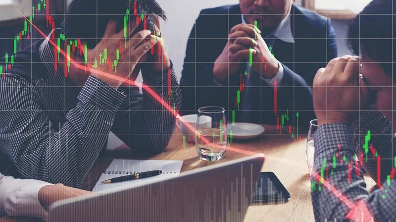 Entgegen der positiven Grundhaltung steht eine negative Erwartung. Sind Anleger davon überzeugt, dass die Zukunft der Aktiengesellschaft wenig rosig aussieht, kommt es zu hohen Abverkäufen. In einigen Fällen sind sogar Panikverkäufe zu beobachten, die den Aktienkurs innerhalb von wenigen Stunden in den Keller treiben.(#01)