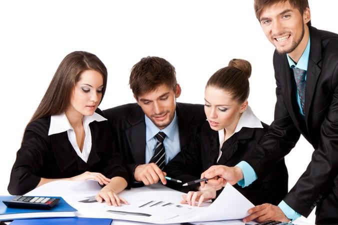 Findet man während der Ausbildung Interesse an den Aufgaben des Investmentbankers, kann man sich innerhalb der Bank auf die Arbeit in der Investmentabteilung spezialisieren. (#3)
