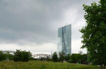 """""""Banken in Deutschland: Ranking (2019)"""" (Foto: Shutterstock - eugeniusro)"""