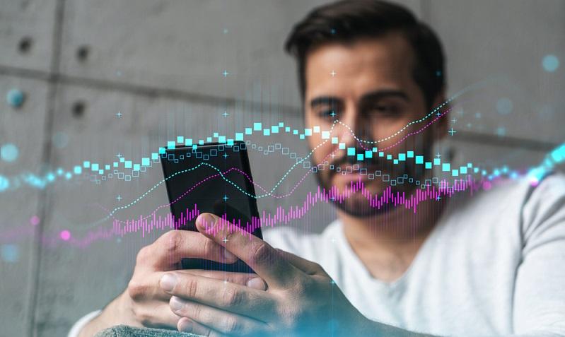 Das Krypto Trading kann eine lukrative Sache sein, wenn es geschickt angegangen wird und wenn das nötige Gespür dafür vorhanden ist. (Foto: Shutterstock-VideoFlow )